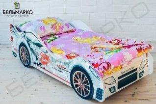 белая кровать машина